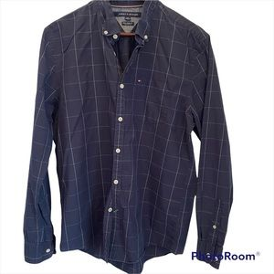 Tommy Hilfiger New York fit navy button down shirt size large one front pocket